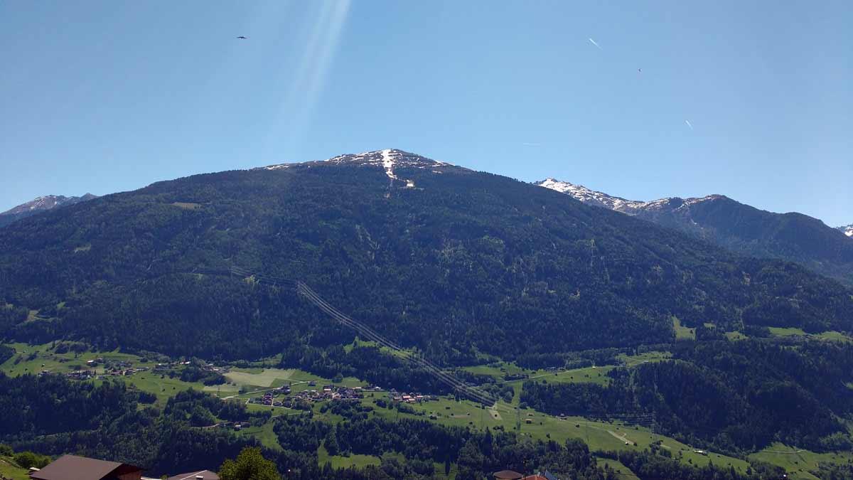Blick auf den Hochzeiger, das Skigebiet in Jerzens.