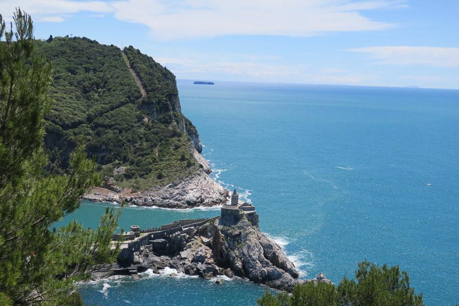 Abstieg nach Portovenere, Blick auf die Festungsanlage