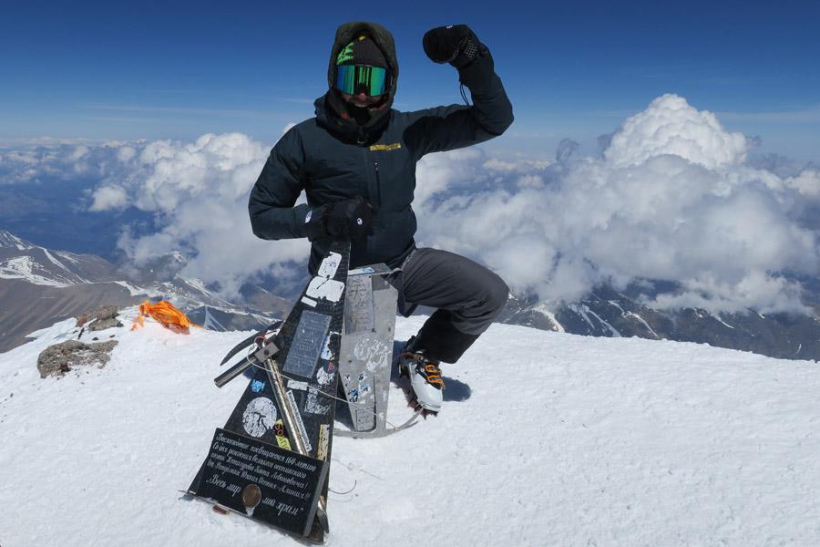 Am Elbrus Gipfel