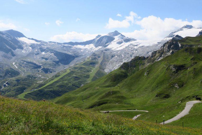 Blick vom Tuxerjochhaus auf den Hintertuxer Gletscher