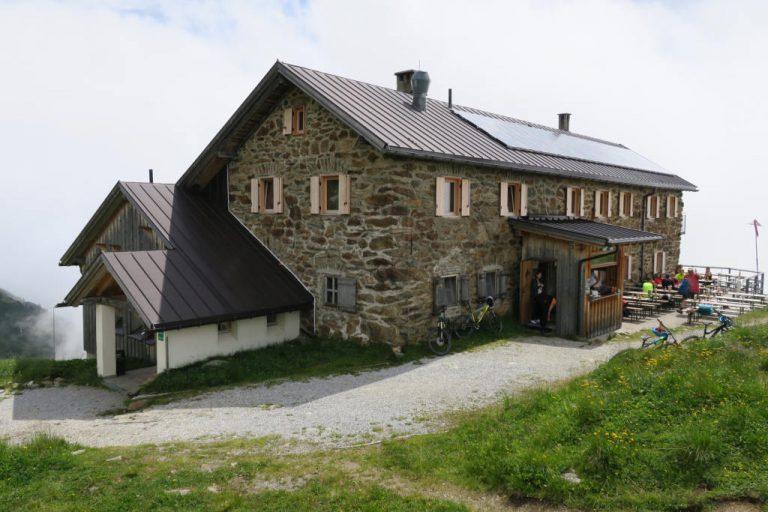 Starkenburger Hütte im Stubaital