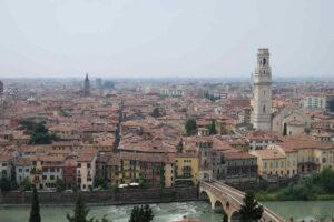 Blick vom Colle S. Pietro auf Verona